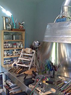 Studio of Jewellery designer and Bead artist : Pam Brisse