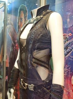 Guardians of the Galaxy Gamora movie costume worn by Zoe Saldana on display. Villain Costumes, Movie Costumes, Cool Costumes, Costume Ideas, Cosplay Ideas, Marvel Costumes, Cosplay Diy, Halloween Cosplay, Halloween Costumes