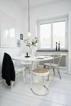 Comedores con sillas diferentes http://patriciaalberca.blogspot.com.es/
