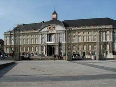 Liège - Place St Lambert - Palais des Princes-Évêques, aujourd'hui Siège du Gouvernement Provincial et Palais de Justice
