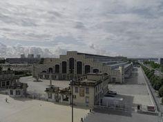 Détail de la Halle Tony Garnier : couverture en gradins Lyon, Tony Garnier, Hui, Ariana Grande, Louvre, France, City, Building, Design