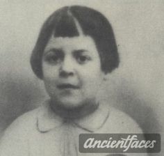 Paulette Arm was deported to Auschwitz and murdered in February 1943.