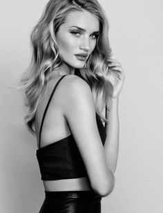 Learn how to recreate Rosie Huntington-Whiteley's makeup look here - http://dropdeadgorgeousdaily.com/2014/02/instaglam-look-like-rosie-huntington-whiteley/