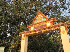 """Die Tempelanlage """"Sri Rattana Nukul"""" In diesem Tempel wurden unsere Armbänder gesegnet. Auf unserer Webseite findet ihr dazu eine ausführliche Beschreibung. — in Nong Khai, Thailand. http://www.thaizauber.net/wat--segnung.html"""