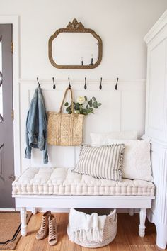 Cottage Entryway, Rustic Entryway, Entryway Decor, Entryway Ideas, Hallway Ideas, Entry Foyer, Narrow Entryway, Fall Entryway, Small Entry