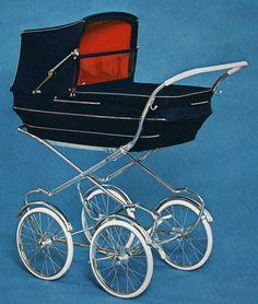 I broschyren för 1972 finns denna vagn. Traditionell barnvagnstyp, som troligen inte rönte SÅ jättestora framgångar, för ofta såg man den inte ute och i användning. Hög modell, låg korg.  Nylonvelour och celluloidhandtag.