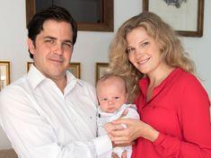 Teresa, Casa Real, Michel, 5 Mai, Royalty, France, Couple Photos, Couples, Parents