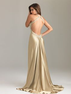 looove this dress from the back and front