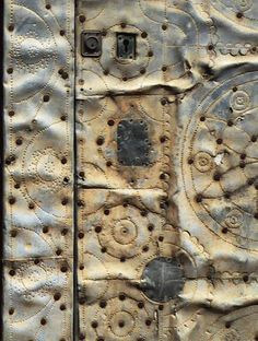 sue hotchkis - Google Search Tactile Texture, Sculpture Art, The Incredibles, Doors, Amazing, Rust, Spanish, Photography, Crafts