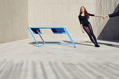 Des meubles en italique/ Pour sa 60 series l'équipe de XYZ Architecture a créé une série de meubles dont une table, une chaise et une commode qui sont penchées à une angle de 6°