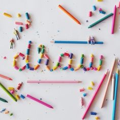 Craft the rainbow, letter the rainbow, de The House that Lars Built Food Typography, Typography Letters, Typography Poster, Typography Design, Types Of Lettering, Hand Lettering, Creative Lettering, Crayon Letter, How To Make Letters