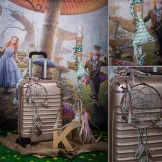 Πακέτο #κουμπάρου σχεδιασμενο σύμφωνα με το #concept της #βάπτισης #dreamcatcher # ονειροπαγίδα #indian-Always #happy to #work with #flowers and #decoration and give unic #style to #weddings #baptisms #christening #party #birtdays and every #event - Concept Stylist #Μάνθα_Μάντζιου & Floral Artist #Ντίνος_Μαβίδης
