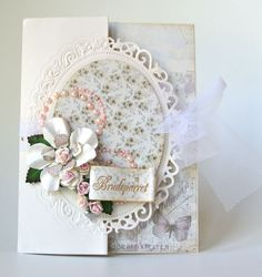 "Tutorial with Spellbinder dies - Floral Oval | |- Like oval ""over the edge"" of front flap"