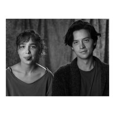 Five Feet Apart Movie Film Cole Sprouse and Haley Luhoo - Celebrities Romance Movies Best, Romantic Movies, Good Movies, Cole Sprouse Funny, Dylan Sprouse, Series Movies, Film Movie, Films Netflix, Cole Sprouse Aesthetic