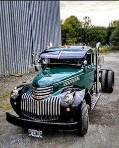 pick ups trucks Dually Trucks, Old Pickup Trucks, Hot Rod Trucks, Diesel Trucks, Lifted Trucks, Cool Trucks, Rat Rod Cars, Pickup Camper, 1946 Chevy Truck