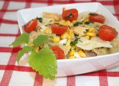Cestoviny s brokolicou, paradajkami a mäsom Fruit Salad, Cobb Salad, Wok, Italian Recipes, Fruit Salads