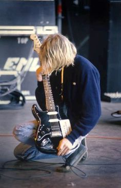 Image about grunge in kurt by rocknrwll on We Heart It Nirvana Kurt Cobain, Kurt Cobain Photos, Nirvana Shirt, Donald Cobain, Rock N Roll, We Heart It, Dave Grohl, Foo Fighters, Contemporary Photography