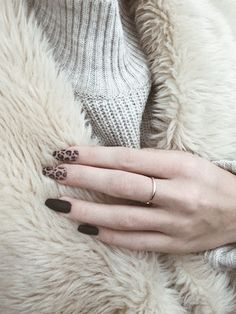 180 unique leopard nail designs for women you'll like – page 1 Classy Nails, Sexy Nails, Love Nails, Pretty Nails, Leopard Nail Designs, Punk Nails, Cotton Candy Nails, Cheetah Nails, Gelish Nails