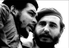Fidel Castro con El Che Guevara en los años 60.