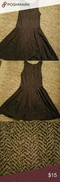Express Dress Super comfortable and soft express dress. It is also thick so it nice to wear in the winter and fall. It 31.5 in in length. Express Dresses Mini