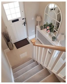Hallway Inspiration, Home Decor Inspiration, Decor Ideas, Decorating Ideas, Landing Decor, Style At Home, Flur Design, Hallway Designs, Hallway Ideas
