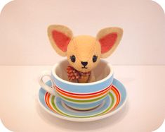 Chihuahua - PDF Pattern....not that I can sew well, but it's cute!