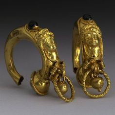 Pair of Gold and Garnet earrings Century BC Etruscan (Source: The British Museum) Medieval Jewelry, Ancient Jewelry, Antique Jewelry, Gold Jewelry, Jewelery, Vintage Jewelry, Purple Jewelry, Bijoux Design, Schmuck Design