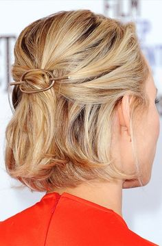 Rachel McAdams in an Elizabeth and James barrette  - click through for more ideas for holiday party hairstyles
