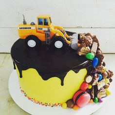 Дневник Настя СК (id1549913) – BabyBlog.ru - стр. 16 Fondant Cakes, Cupcake Cakes, Cupcakes, Construction Party Cakes, 2nd Birthday Cake Boy, Truck Cakes, Candy Cakes, Cake Decorating Techniques, Drip Cakes