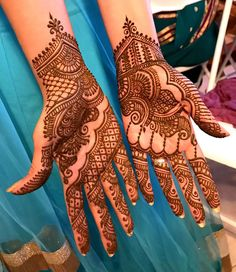 Many stylish Mehndi Design that will captivate your heart and mind. Come on, celebrate the beauty of Mehndi Design Full Hand Car - lace netted, peacocks, Cute Henna Designs, Arabic Bridal Mehndi Designs, Rajasthani Mehndi Designs, Henna Tattoo Designs Arm, Mehndi Designs For Girls, Mehndi Design Images, Simple Mehndi Designs, Mehandi Designs, Bridal Henna