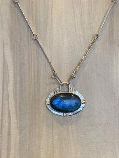 Stone Jewelry, Pendant Jewelry, Jewelry Art, Jewlery, Jewelry Design, Gold And Silver Bracelets, Sterling Silver Necklaces, Silver Jewelry, Silver Pendants