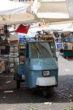 Piaggio ape P50 - I would love to have one of these. Piaggio APE P50 - Я хотел бы, одного из них.
