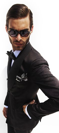 Tom Ford / Men suit / Men Fashion / Man in black