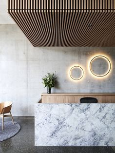 Wouldn't mind working a Saturday shift here. Great L lobby and reception design. Love the material combination of concrete, marble, and wood. Interior Design Minimalist, Australian Interior Design, Interior Design Awards, Contemporary Interior Design, Lobby Interior, Modern Design, Marble Interior, Contemporary Style, Reception Desk Design
