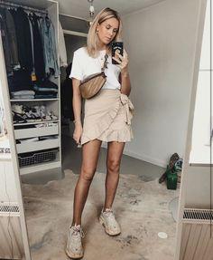 Wrap around skirt outfit - Fashionnn - Mode Outfits, Trendy Outfits, Fashion Outfits, Party Outfits, Fashion 2018, Skirt Fashion, Fashion Boots, Fashion Clothes, Spring Summer Fashion