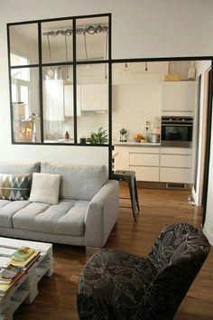 안녕하세요. 윈스디자인입니다. 오늘은 블랙 철제 프레임 소재의 가벽 설치를 이용해 주방이나 거실, 현관...