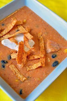 Chicken Enchilada Soup {Chili's Copycat} _ Garnishes: pico de gallo, sour cream, shredded cheese, crunchy tortilla strips.