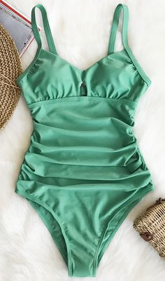 Time to show your girl power! Green color with shirring design~ Super sweety and full of vitality! Cut out at back will win a lot of glimpse for you. FREE shipping~ SHOP NOW!