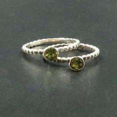 Dainty Ring, Delicate Rings, Leaf Jewelry, Fine Jewelry, Skinny Rings, Peridot Jewelry, Greek Jewelry, Gold And Silver Rings, Green Gemstones