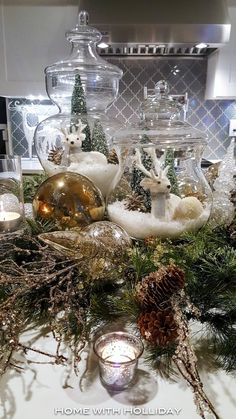 Easy and Elegant Christmas Decorating Ideas It is that time of the year to start planning your holiday decor! Today, I am sharing several easy and elegant Christmas decorating ideas. Elegant Christmas Decor, Christmas Tablescapes, Christmas Table Decorations, Tree Decorations, Holiday Decor, Seasonal Decor, Christmas Jars, Christmas Home, Christmas Crafts