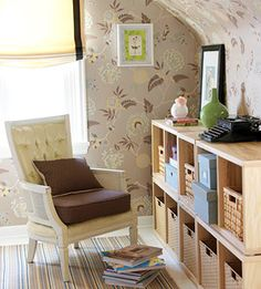 Not a fan of wallpaper but I love this! The bookshelf makes me happy.