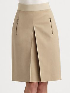 Akris Punto Inverted Pleat Skirt - The Best Floral Outfits Pleated Skirt, Dress Skirt, Cute Skirts, Classy Dress, African Dress, Skirt Outfits, African Fashion, African Style, Designer Dresses