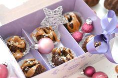Rezept: Kokos-Kakao-Gugl als Geschenkidee #geschenk #giftidea #gugl #kokos #kakao #rezept #recipe #homemade #mini #chocolate