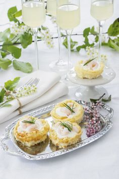 Japanese Sweets, Lchf, Camembert Cheese, Tapas, Appetizers, Food And Drink, Low Carb, Cooking, Celebrations