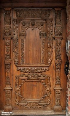 Wood door in Toruń, Poland, 17th c.
