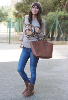 The uggs look like a natural part of the outfit, not just an after thought  #uggboots #streetstyle