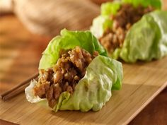 Chicken Lettuce Wraps #dukandietrecipes Emergency Food Supply, Emergency Food Storage, Chicken Flavors, Chicken Recipes, Fried Vegetables, Veggies, Turkey Lettuce Wraps, Meat Substitutes, Turkey Burgers