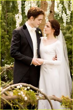 Happy 2 year Anniversary Bella And Edward!!!