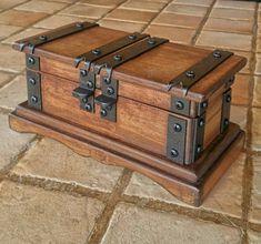 Rustic wooden jewelry box reclaimed wood by DorealiStudioRoma