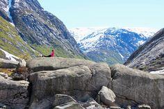 Norwegischer Sonnengruß in der Nähe von Sogn: Mehr sportliche Urlaubsbilder gibt es unten im Artikel